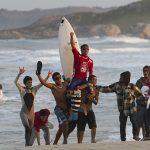 Italo Ferreira, Mormaii Pro Junior 2011, Praia da Ferrugem, Garopaba (SC). Foto: Basílio Ruy