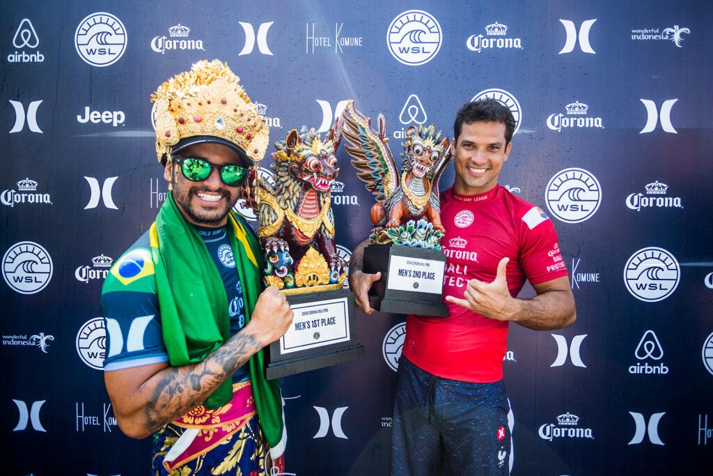 Italo Ferreira e Michel Bourez, Corona Bali Protected 2018, Keramas. Foto: WSL