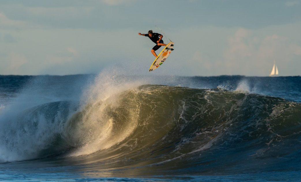 Italo Ferreira, North Narrabeen, Sydney, NSW, Austrália. Foto: @ianbirdphoto