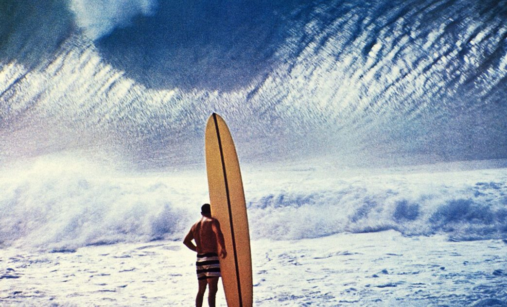 Greg Noll, Da Bull, North Shore de Oahu, Havaí. Foto: John Severson