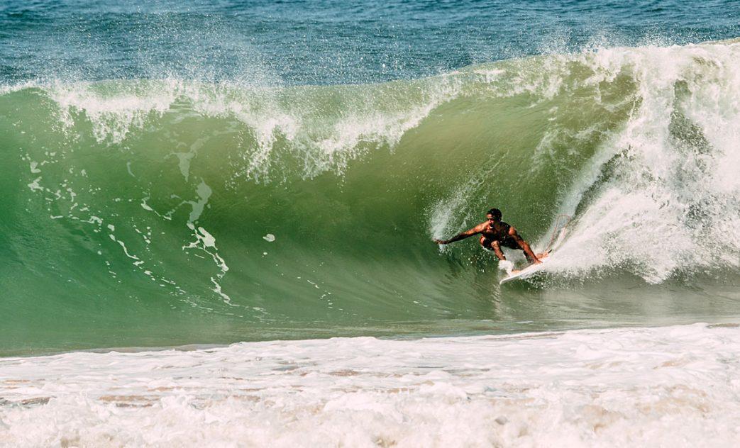 Ives Lopes, Swell no litoral norte da Bahia. Foto: Lucas Cavalcante / @Focafilmes_
