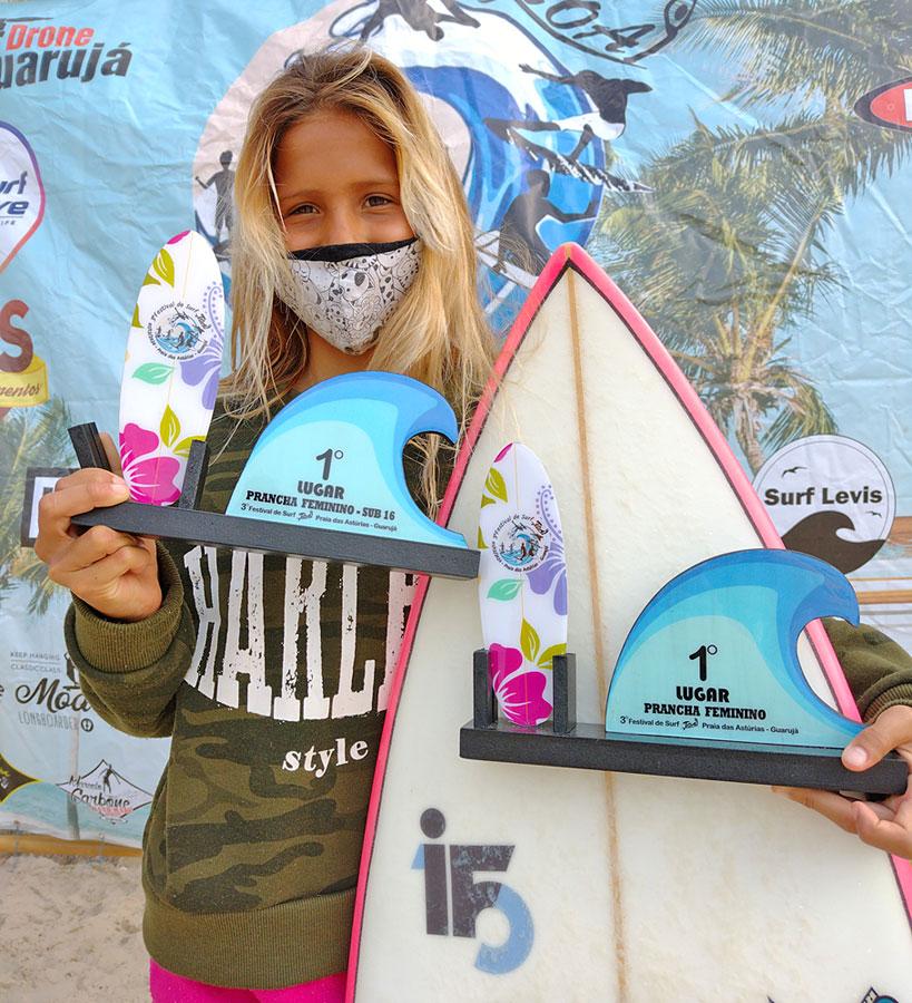 Carol Bastides, Surf Treino Festival de Surf Toai, Praia das Astúrias, Guarujá. Foto: Arquivo pessoal