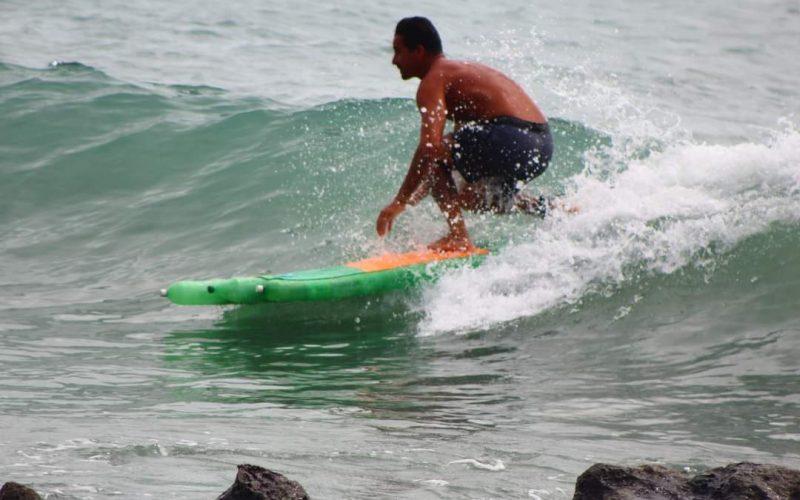 Prancha Ecológica, Surf com pranchas de garrafa pet, Rio Grande do Norte (RN). Foto: Divulgação ONG Garopaba
