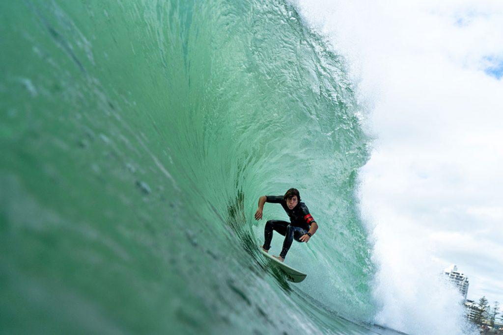 Oscar Berry, Swell em Kirra, Gold Coast, Queensland, Austrália. Foto: Lucas Palma / @skids.com.br