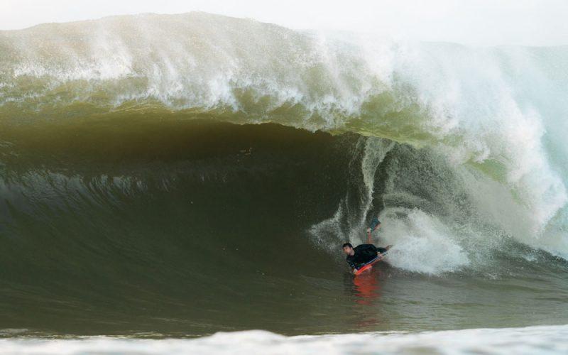 Breno Kuster, Swell na Laje da Avalanche, Vila Velha (ES), Ondas Grandes no Brasil, Big Waves, Slabs. Foto: Keale Lemos