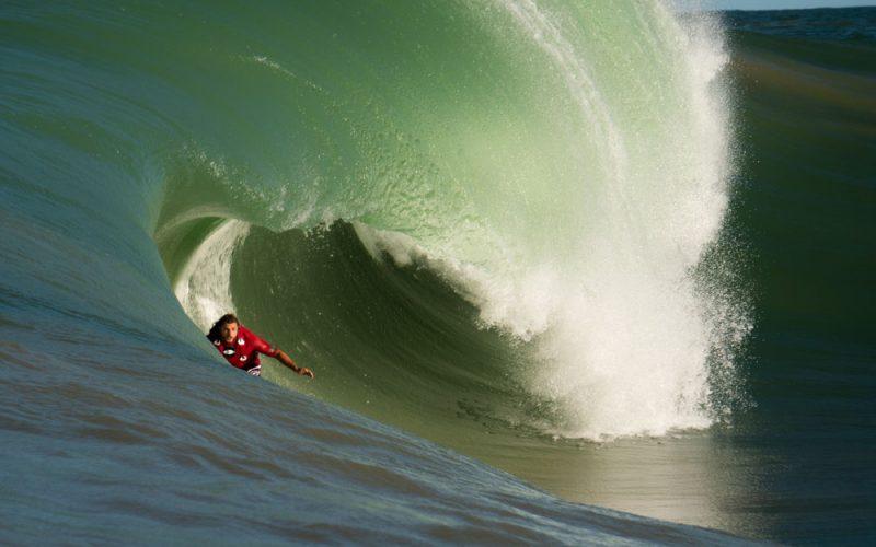 Caio Vaz, Swell na Laje da Avalanche, Vila Velha (ES), Ondas Grandes no Brasil, Big Waves, Slabs. Foto: Keale Lemos