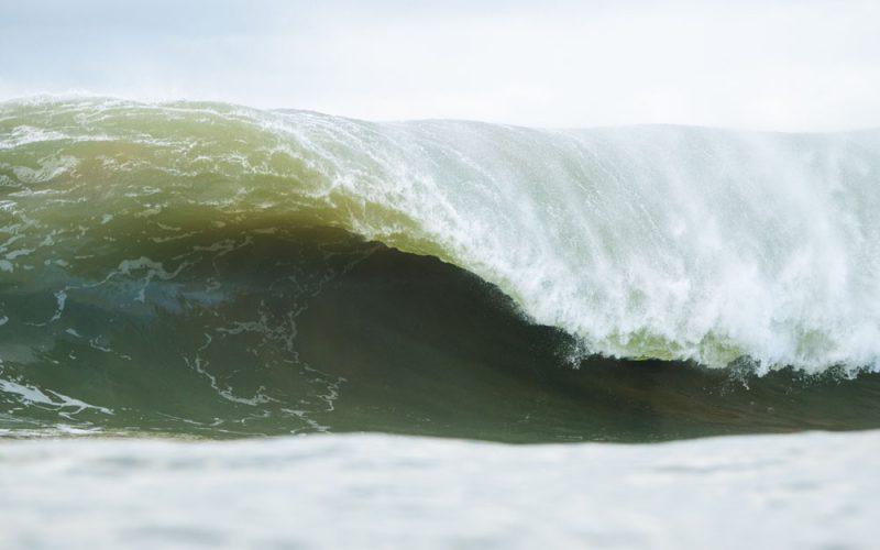 Daniel Rangel, Swell na Laje da Avalanche, Vila Velha (ES), Ondas Grandes no Brasil, Big Waves, Slabs. Foto: Keale Lemos