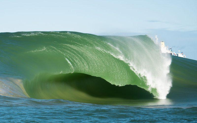Swell na Laje da Avalanche, Vila Velha (ES), Ondas Grandes no Brasil, Big Waves, Slabs. Foto: Keale Lemos
