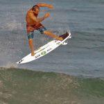 Italo Ferreira, Free surf na Califórnia (EUA). Foto: Reprodução