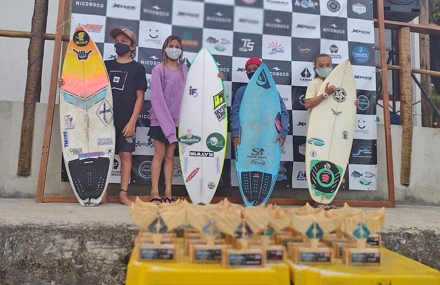 Carol Bastides, Circuito Lanay Surf 2021, Praia Grande, Ubatuba (SP). Foto: Juliana Teixeira