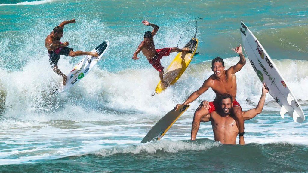 Italo Ferreira e amigos no free surf em Baía Formosa (RN). Foto: Reprodução